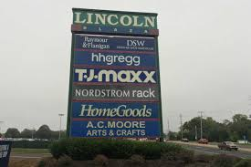 Home Design Retailers Hhgregg Why Shoppers Are Flocking To Off Price Retailers Like T J Maxx