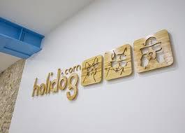 personnalisation du bureau logo mural personnalisé en bois personnalisation logo mural
