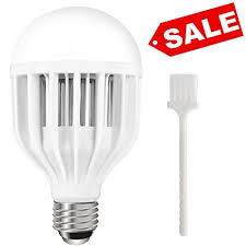 eco friendly light bulbs amazon com 2 in 1 led bug bulb light bulb with mosquito zapping