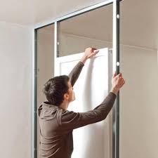 comment poser une porte de chambre comment fixer un bloc porte je désire installer une porte au milieu