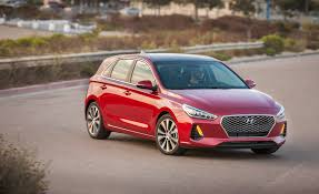 2018 hyundai elantra gt pictures photo gallery car and driver