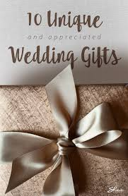 10 ideas for unique wedding gifts the newlyweds actually want