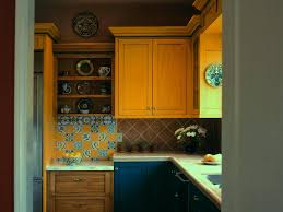 Mexican Tile Backsplash Kitchen by Nice Yellow Mexican Kitchen With Hardwood Cabinets Also Decorative