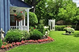 colonial landscaping ideas backyard fence ideas