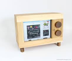 wooden pencil holder plans ana white tablet or ipad holder retro tv style diy projects