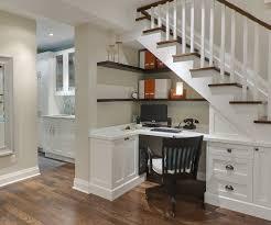 amenagement bureau domicile design interieur escalier espace stockage bureau domicile blanc