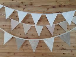 guirlande fanion mariage guirlande de fanions en tissu blanc ivoire beige décoration