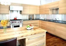 etabli cuisine des cuisines en bois cuisine meuble bois meubles de cuisine en bois