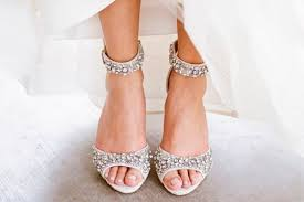sparkly shoes for weddings tips and collections sparkly wedding shoes everafterguide