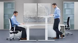 höhenverstellbare steh sitz tische ergonomiewelt magazin