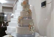 Wedding Cake Tangerang Uci Bakery Wedding Wedding Cake In Tangerang Bridestory Com