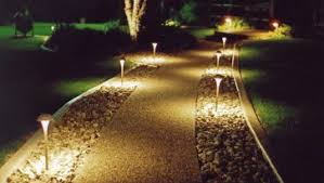 luxury residential landscape lighting design with outdoor