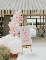 oversize balloons 19 ways to use balloons in your wedding decor brides