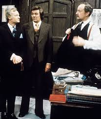 Frank Banister Are You Being Served Star Trevor Bannister Dies Aged 76 Daily