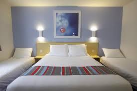 Edinburgh Dreghorn Hotel Family Room Picture Of Travelodge - Edinburgh hotels with family rooms