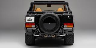 lamborghini lm002 the bull u0027s first suv revisited as urus nears