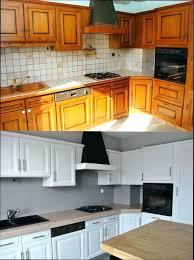 repeindre meuble de cuisine en bois meuble cuisine en bois peinture armoire cuisine affordable peinture
