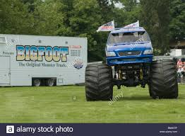 original bigfoot monster truck bigfoot monster truck trucks suv ford pickup pick up car crushing
