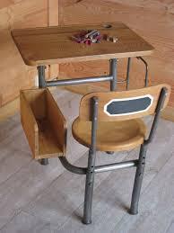 bureau ecolier 1 place un ancien pupitre écolier très original patines couleurs