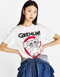 bershka si e social camiseta con algodón orgánico gremlins novedades bershka españa