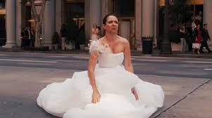 in wedding dress how to go to the bathroom when you re wearing a wedding dress