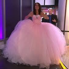 christine tries on gypsy wedding gown for daybreak metro news