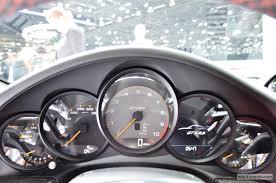 porsche 911 dashboard porsche 911 gt3 rs gets previewed on track automotorblog
