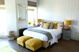 how to place throw pillows on a bed decorative bedroom pillows best decorative bed pillows ideas on bed
