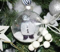 how to make a diy floating snowmen ornament our crafty