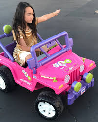 pink toy jeep ai chan carrier ai carrier twitter