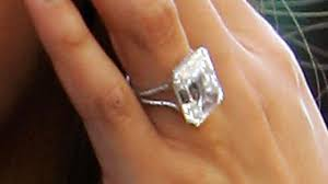 reese witherspoon engagement ring how to get an engagement ring like reese witherspoon s howcast