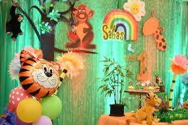 Jungle Backdrop Kara U0027s Party Ideas Backdrop From A Jungle Safari Birthday Party