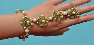 make beads bracelet images How to make delicate beading bracelet with glass beads and pearl jpg