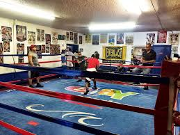 mayweather house tour i got spat on at mayweather boxing club and it was awesome las