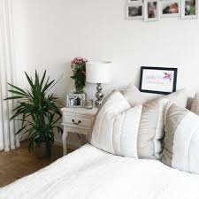 Kleines Schlafzimmer Einrichten Ideen Wohndesign 2017 Fabelhaft Fabelhafte Dekoration Entzuckend