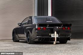 nissan skyline drag race parachutes and panic stations a 1300whp gt r street car speedhunters
