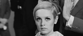 twiggy hairstyle 7 iconic hairstyles to cover up a bad hair week galore