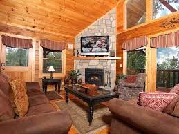 rustic fireplace vaulted ceilings 2 game vrbo