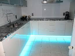 ruban led pour cuisine eclairage plan de travail cuisine led clairage plan de travail