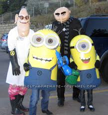 family theme halloween costumes over the top despicable me family costumes entirely homemade