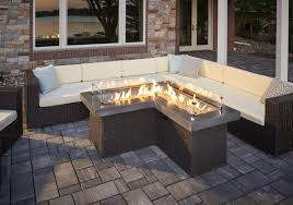 eksterior design feel comfortable with patio table with fire pit