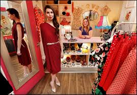 Kathryn M Ireland Kathryn Thomas Is The Frugal Fashionista In U20ac68 Dress Independent Ie