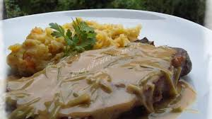 cuisiner cote de porc côtes de porc à la sauce charcutière recette par silviaencuisine