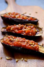 cuisiner aubergine four on dine chez nanou aubergines au four farcies aux tomates et pignons