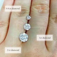 Difference Between Engagement Ring And Wedding Band by Gorgeous Engagement Rings And The Difference Between Sizes