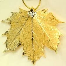 natures gold yellow gold maple leaf ornament artistic