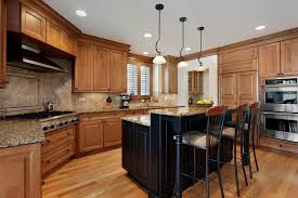 kitchen cabinets with hardware pictures matching hardware to kitchen cabinets