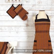 model tablier de cuisine un modèle de tablier manique gant de cuisine et torchon assortis