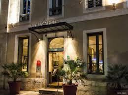 hotel a nimes avec dans la chambre royal hôtel 3 étoiles avec restaurant bar et terrasse à nîmes