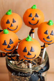 Halloween Cake Pops Images by 8 Spooktacular Treats You U0027re Going To Wanna Sink Your Fangs Into
